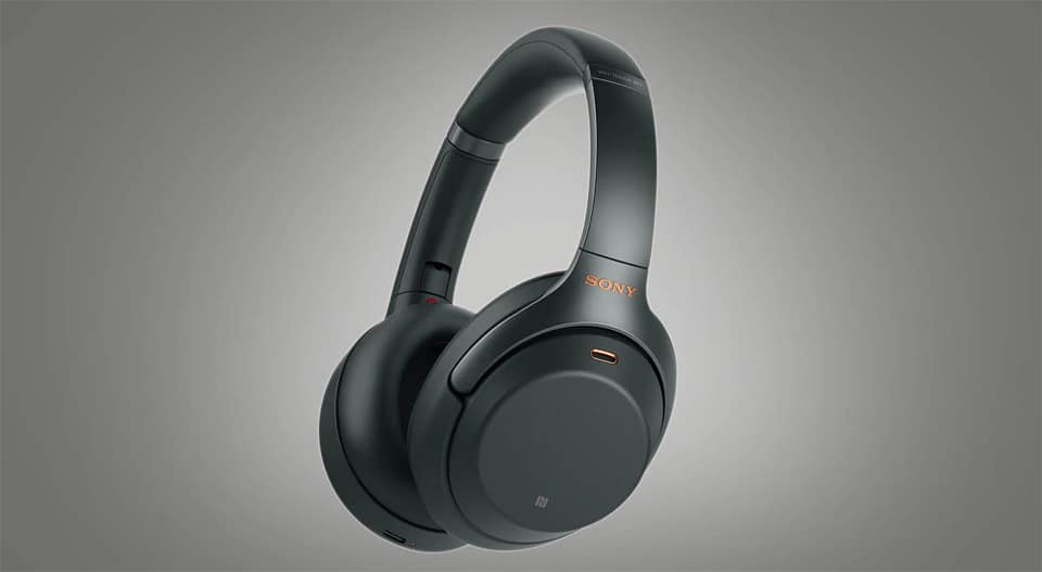 Casti Sony WH-1000XM4 negre.